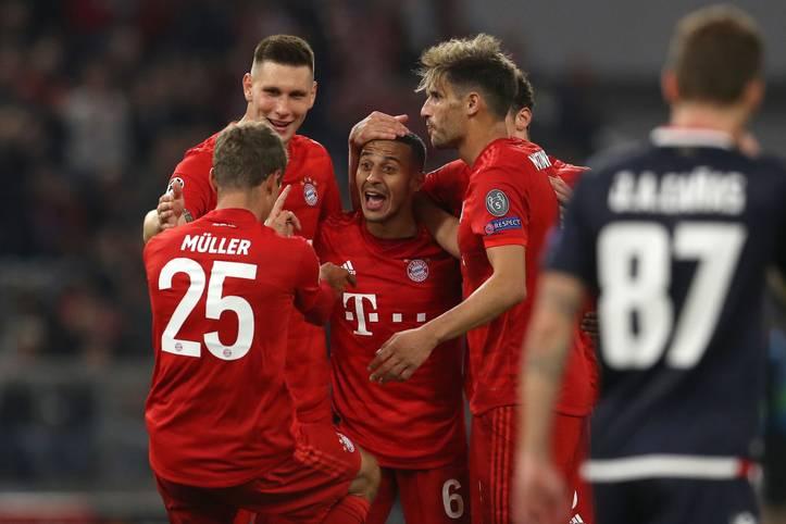 Der FC Bayern feiert einen Start nach Maß in die neue Spielzeit der Champions League. Gegen Roter Stern Belgrad siegt das Team von Trainer Niko Kovac mit 3:0