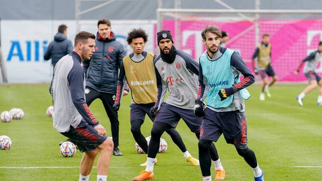 Niklas Süle (l.) im Training des FC Bayern München