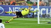 Manchester United's Dutch goalkeeper Edw