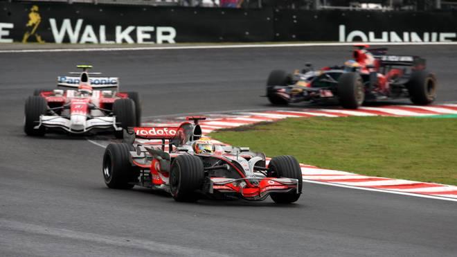 Die Szene, die die Brasilianer zum kochen brachte: Lewis Hamilton fährt an Timo Glock vorbei