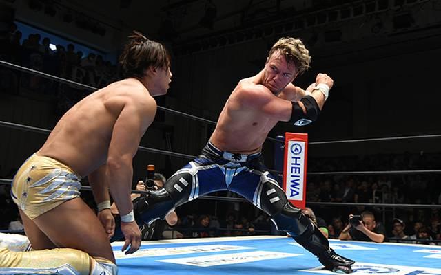 Beim G1 Climax messen sich unter anderem Will Ospreay (r.) und Kota Ibushi