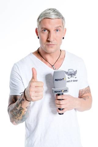 Punk, Lautsprecher, Schlitzohr: Stefan Kretzschmar war einst der prominenteste deutsche Handballer, am Sonntag (17.25 Uhr) bestreitet er seinen 400. Einsatz als TV-Experte bei SPORT1. Ein Rückblick auf Kretzsches Karriere nach der Karriere