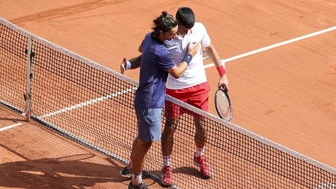 Lorenzo Musetti musste gegen Novak Djokovic aufgeben