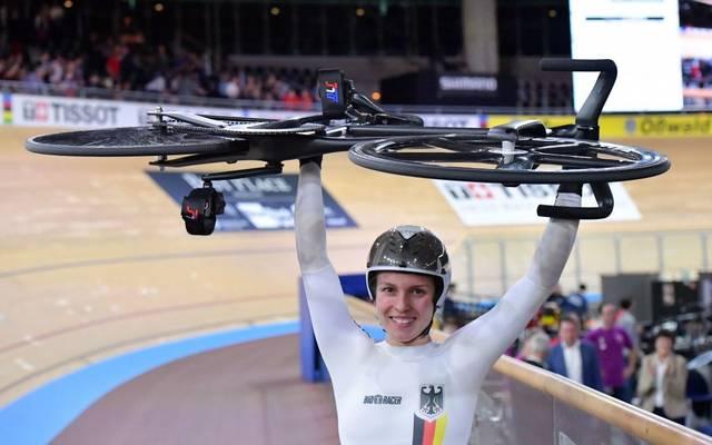 Emma Hinze hat sich ihre dritte Goldmedaille geschnappt