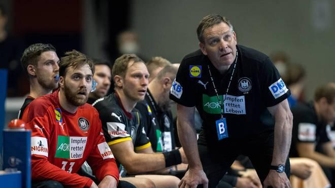 Kennen sich, schätzen sich: Handball-Bundestrainer Alfred Gislason weiß auch bei der Olympia-Qualifikation, wie er mit Keeper Andreas Wolff umzugehen hat