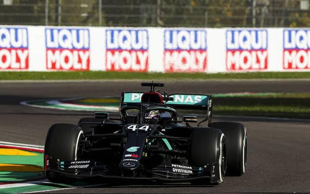Lewis Hamilton präsentiert sich beim Training in Topform