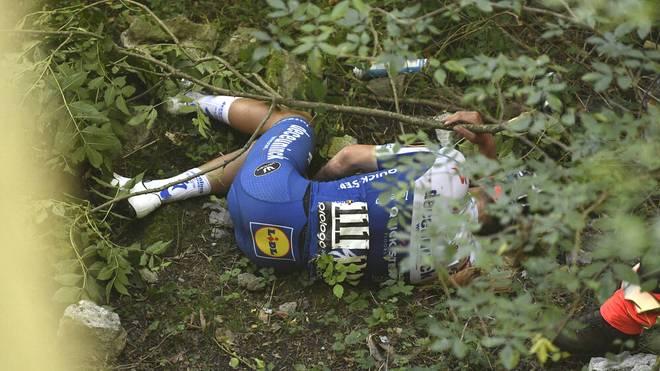 Photo LaPresse - Fabio Ferrari August 15, 2020 Bergamo (Italy) Cycling 114& xb0; Il Lombardia - Da Bergamo a Como - 231 km In the pic: Remco Evenepoel fall PUBLICATIONxINxGERxSUIxAUTxONLY Copyright: xFabioxFerrari LaPresse 114& xb0;x