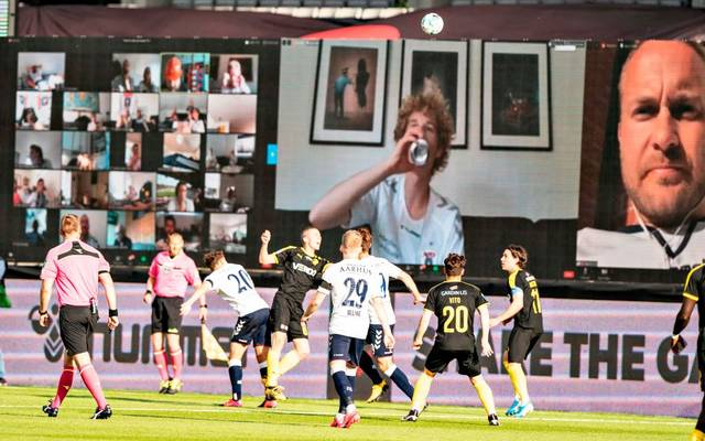 Fans von Aarhus GF verfolgen den Liga-Restart live per Webcam