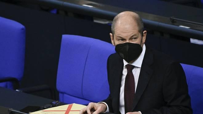 SPD-Kanzlerkandidat Olaf Scholz rechnet mit einem baldigen Ende der Geisterspiele