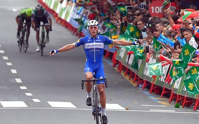 Philippe Gilbert gewinnt nach über 170 gefahrenen Kilometern mit einem hauchzarten Vorsprung