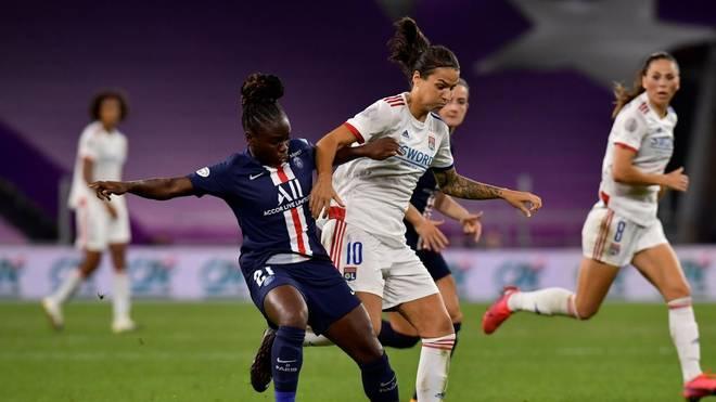 Dzsenifer Marozsan (M.) setzte sich mit Lyon im Halbfinale gegen PSG durch