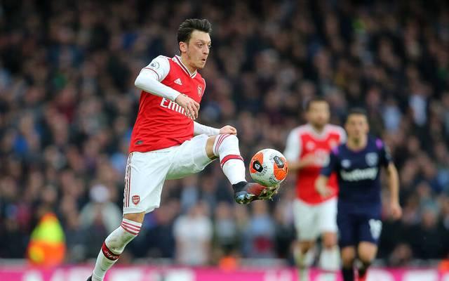 Mesut Özil spielt bei Arsenal keine Rolle mehr und steht nicht einmal im Ligakader.