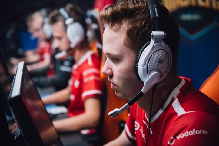 10: mousesports überraschte die Counter-Strike-Welt mit dem Sieg der ESG Tour Mykonos 2017. Denn der EU-Mix konnte nur eine kurze Zeit mit dem neuen Lineup trainieren. Das spricht für das Talent des Teams und den großen Ambitionen.