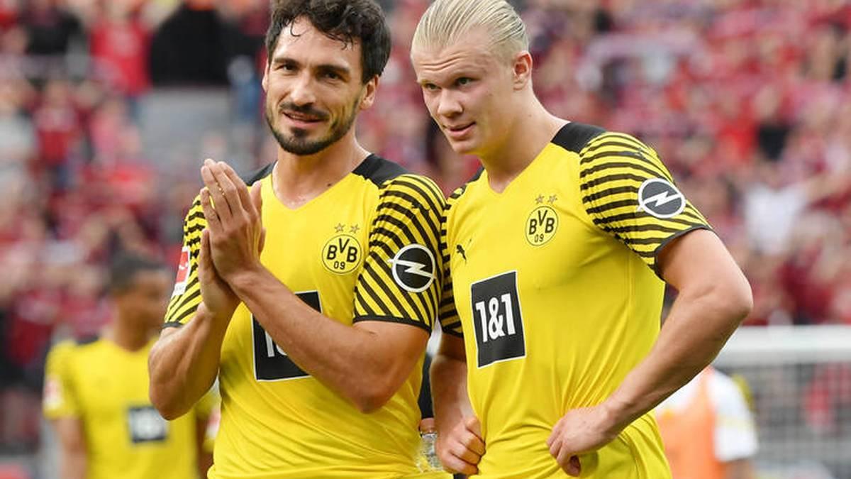 Mats Hummels (l.) wünscht sich, dass Erling Haaland bei Borussia Dortmund bleibt