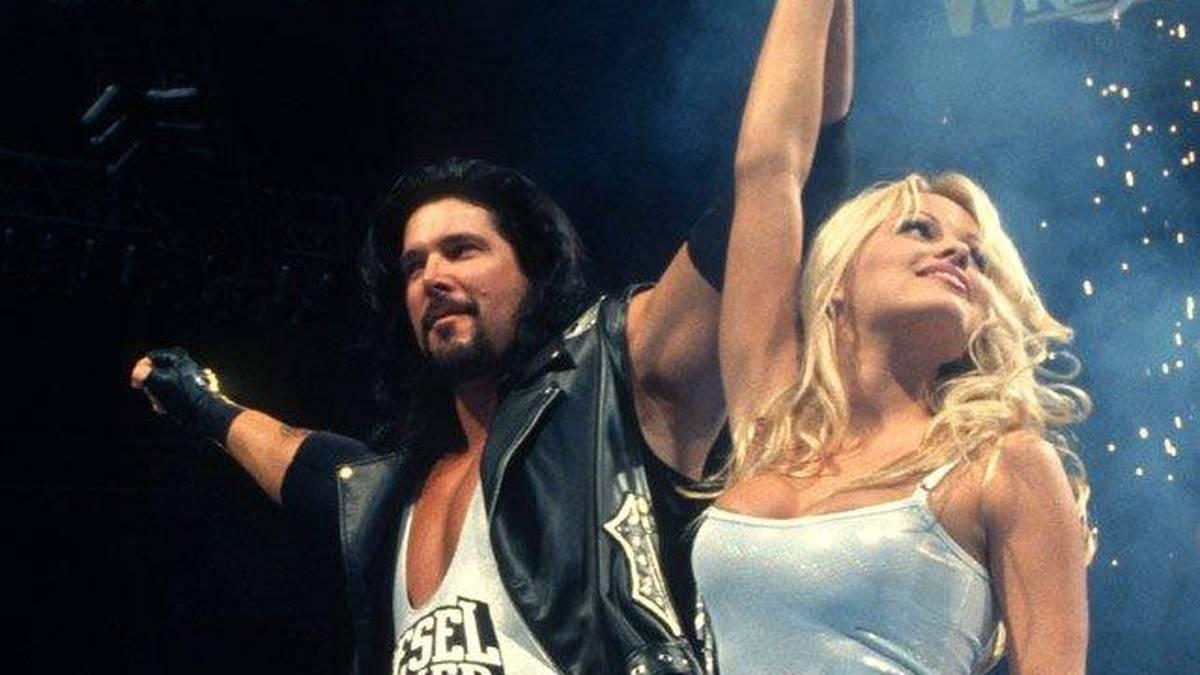 Als Diesel wurde Kevin Nash bei WrestleMania 1995 von Pamela Anderson begleitet