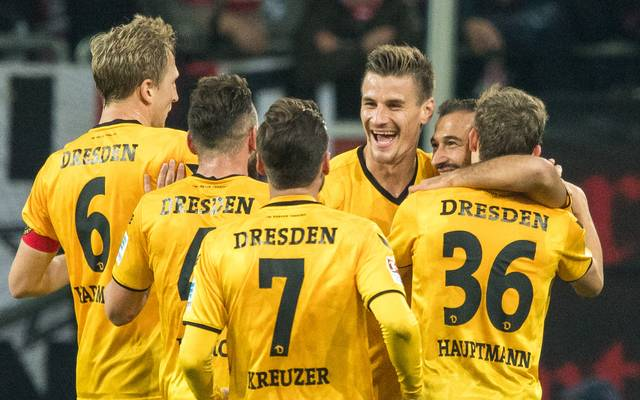Fortuna Duesseldorf v SG Dynamo Dresden - Second Bundesliga
