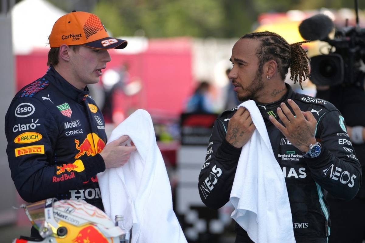 Nach dem Crash zwischen Lewis Hamilton und Max Verstappen in Monza geht das WM-Duell in die nächste Runde. Verstappen giftet bereits gegen seinen Konkurrenten.