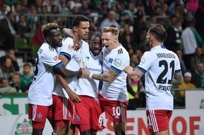 Der Hamburger SV gewinnt ein turbulentes und chaotisches Nordderby. Die beiden Kapitäne fliegen vom Platz, ein Traumtor zählt nicht.