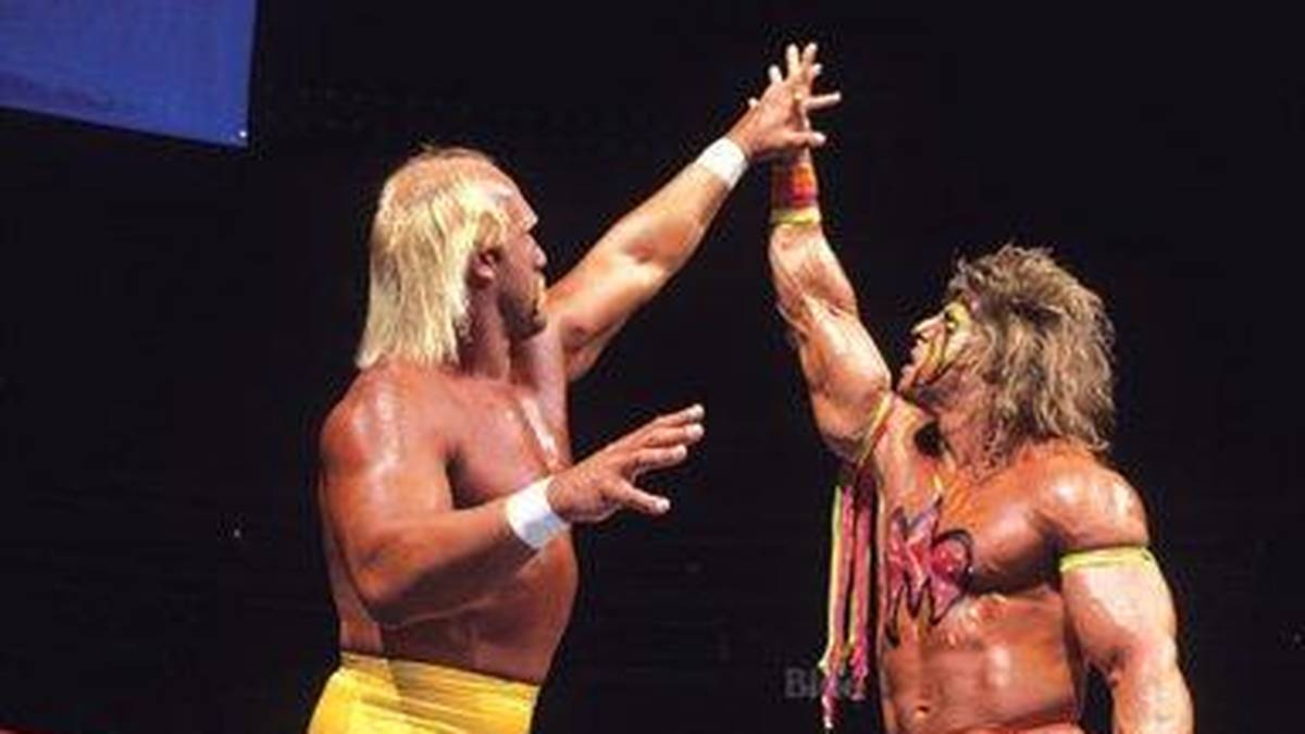 The Ultimate Warrior (r.) besiegte bei WrestleMania VI Hulk Hogan