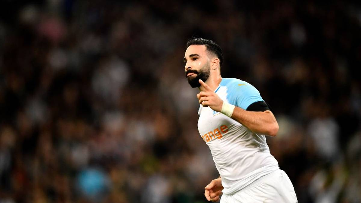 """Wie die """"L'Equipe"""" berichtet hatte, habe Rami unter anderem trotz Verletzung und ohne Wissen des Klubs an Dreharbeiten der TV-Show """"Fort Boyard"""" teilgenommen. Dadurch habe er eine kurzfristig anberaumte Trainingseinheit des französischen Erstligisten verpasst"""