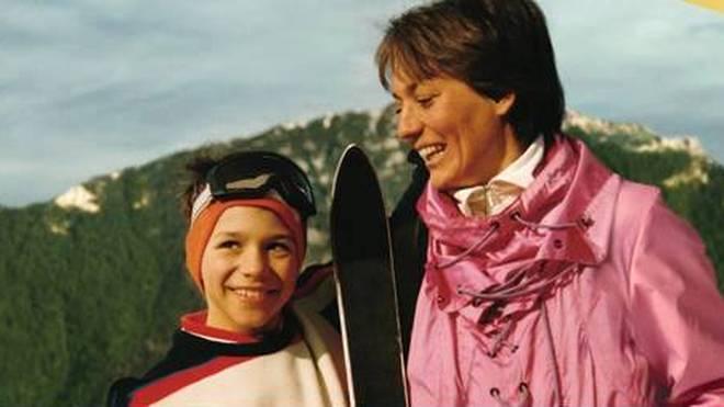 Felix Neureuther als kleiner Junge mit Mutter Rosi Mittermaier
