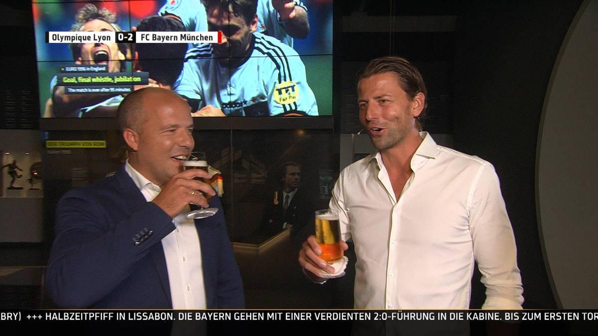 Roman Weidenfeller gibt im SPORT1 Fantalk Einblicke zur WM 2014: In der Freizeit trafen sich die Spieler oft in der Hotelbar und verfolgten die anderen WM-Spiele – allerdings wohl nicht immer ganz alkoholfrei.