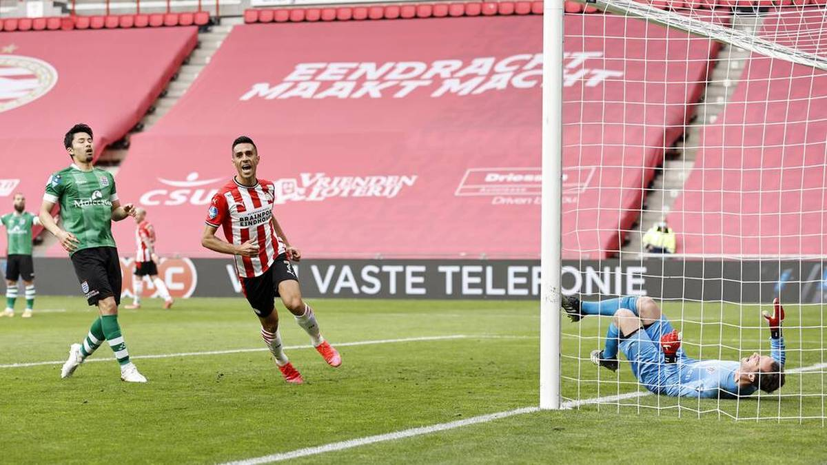 Slapstick-Tor lässt PSV jubeln - aber Götze fällt erneut aus