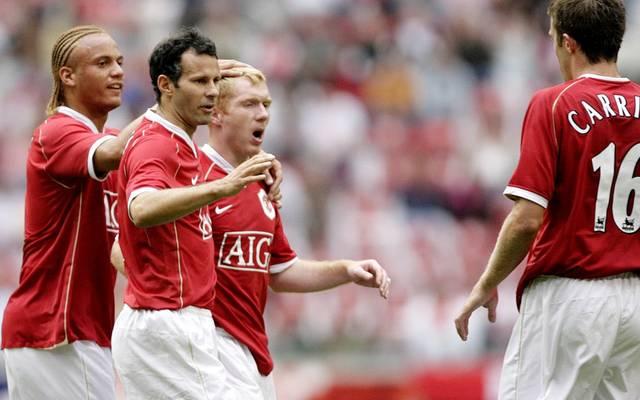 Ryan Giggs (2.v.l.) ist Rekordspieler von Manchester United