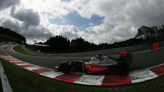 Lewis Hamilton 2009 in der Eau Rouge in Spa