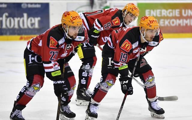 Mit einem Heimsieg gegen Schwenninger Wild Wings eröffneten die die Fischtown Pinguins Bremerhaven den 24. Spieltag in der DEL.