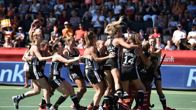 AMSTELVEEN, NETHERLANDS - JUNE 29: Germany celebrates the victory in the shoot out during the Women's FIH Field Hockey Pro League bronze medal match between Germany and Argentina at Wagener Stadium on June 29, 2019 in Amstelveen, Netherlands. (Photo by Charles McQuillan/Getty Images)