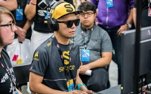 """Nach seinem geschmacklosen Witz steht """"Filipino Champ"""" vor dem Karriereende"""