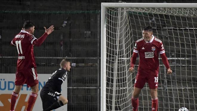 Christoph Geger (r.) wird gegen Lübeck zum Matchwinner