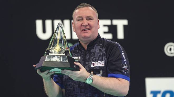 Darts Turniere: Der Pokal der Premier League of Darts.