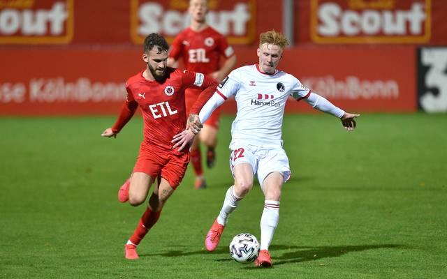 Der VfB Lübeck (in weiß) konnte seinen ersten Saisonsieg feiern