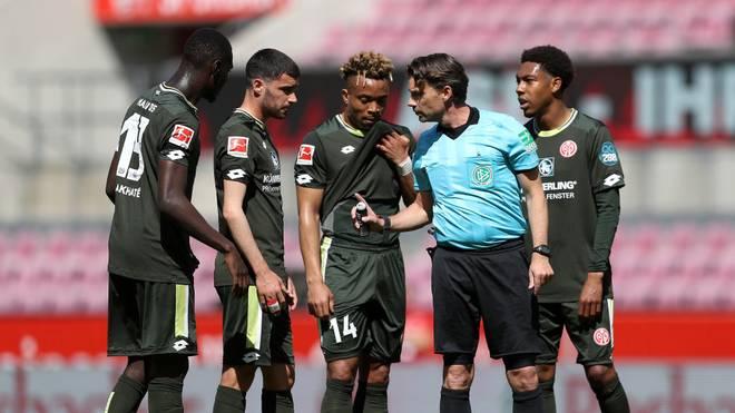 Schiedsrichter Guido Winkmann plagten am Wochenende Sprachbarrieren