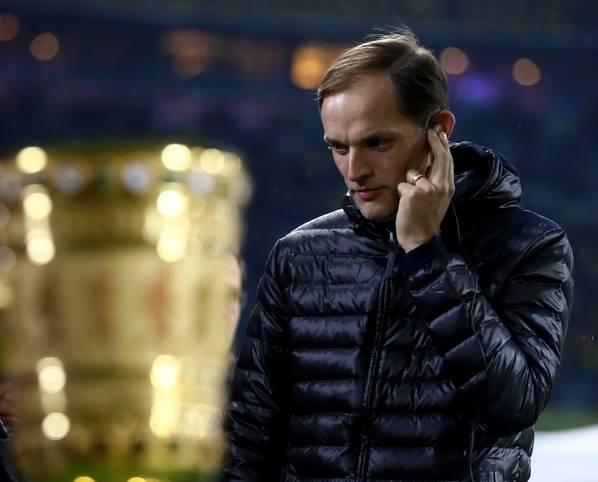 Da ist er, der Pott, um den es im vorgezogenen Finale zwischen dem FC Bayern und Borussia Dortmund geht. Sowohl BVB-Trainer Thomas Tuchel, als auch Carlo Ancelotti konnten diesen noch nie gewinnen