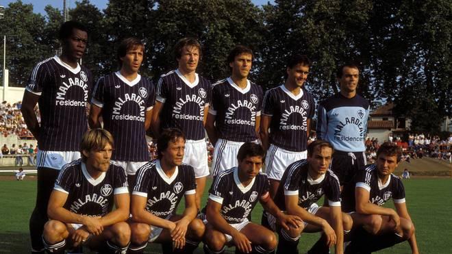 Die Mannschaft von Girondins Bordeaux mit Dieter Müller (u.r.) im Jahr 1984