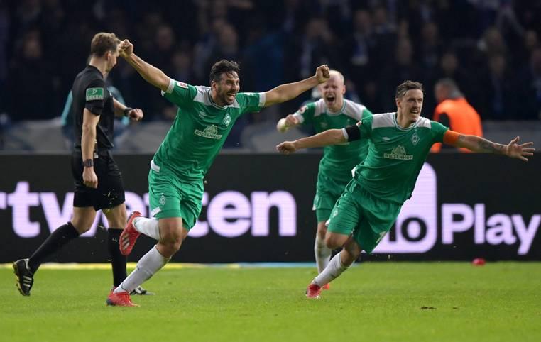 Claudio Pizarro ist der älteste Bundesliga-Torschütze aller Zeiten! Der Angreifer von Werder Bremen erzielte bei Hertha BSC mit einem Freistoß den Ausgleichstreffer zum 1:1-Endstand in der sechsten Minute der Nachspielzeit