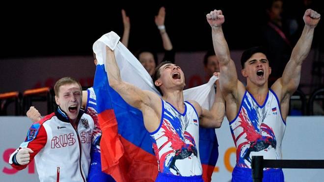 Die russische Turn-Mannschaft gewinnt Gold bei der Kunstturn-WM in Stuttgart