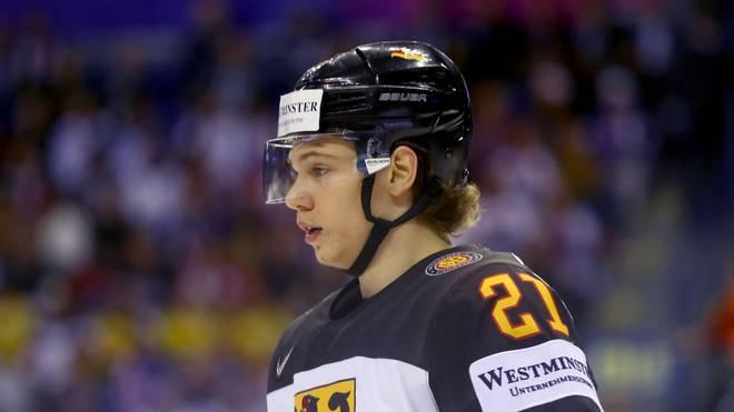 Moritz Seider ist der deutsche Star bei der U20-WM. Die DEB-Auswahl verliert ihr drittes Spiel aber