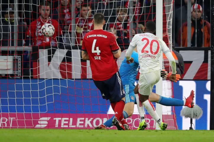 Dodi Lukebakio glänzt beim 3:3 von Fortuna Düsseldorf gegen den FC Bayern mit einem Dreierpack - und stürzt den Meister damit noch tiefer in die Krise
