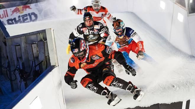 Bei der Red Bull Ice Cross World Championship erwartet die Zuschauer halsbrecherische Action im Eiskanal