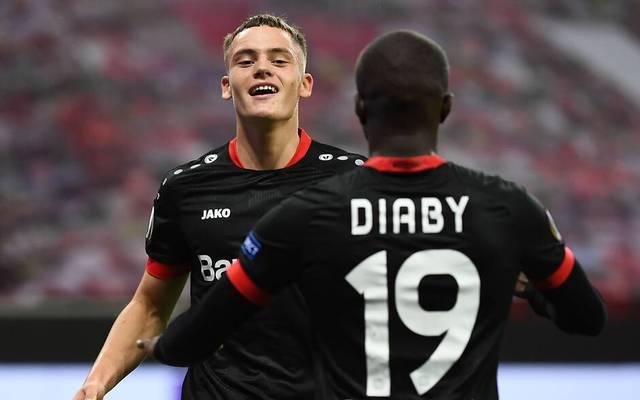Florian Wirtz (l.) ist mit 17 Jahren bereits Stammspieler bei Leverkusen