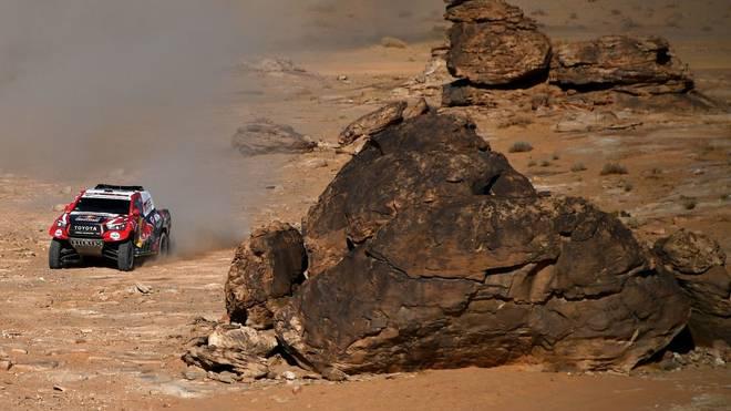 Titelverteidiger Nasser Al-Attiyah verliert bei der 10. Etappe der Rallye Dakar an Boden in der Gesamtwertung