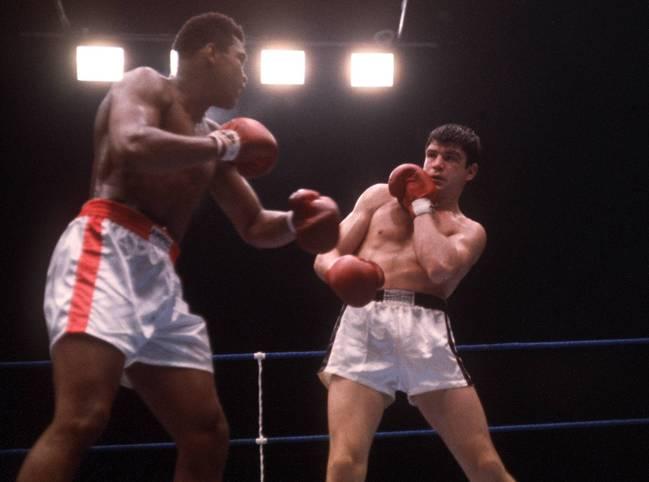 Schmeling gegen Louis, Mildenberger gegen Ali: Schon so mancher deutscher Boxer ging als Außenseiter in große Kämpfe - und verblüffte die Welt. SPORT1 auf die großen deutschen Underdogs der Box-Geschichte zurück