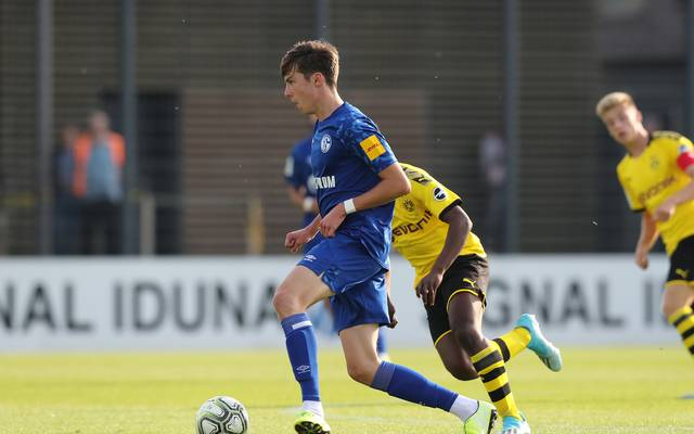 Louis Köster im Derby gegen den BVB