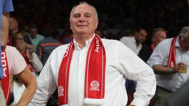 Uli Hoeneß hatte wieder mächtig Spaß beim Basketball