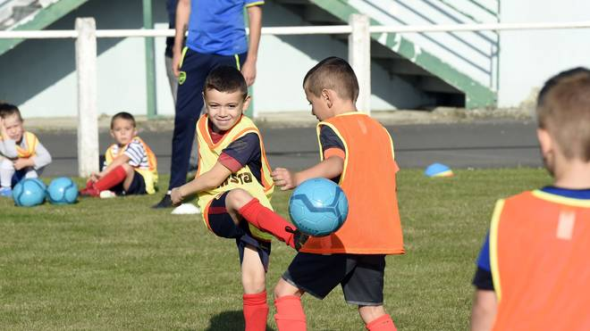 Fußball verbessert Ausdauer, Kraft und Koordination aber auch die Teamfähigkeit