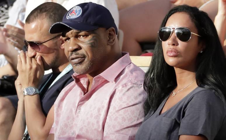 Prominenz auf den Rängen bei den French Open! Box-Legende Mike Tyson besucht die Drittrunden-Partie zwischen Serena Williams und Julia Görges